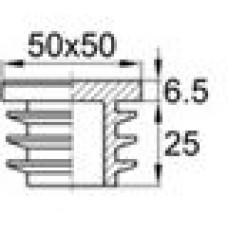 Заглушка пластиковая внутренняя с ребрами и плоской шляпкой для труб квадратного сечения с внешними габаритами 50x50 мм и толщиной стенки 2.6-4.0 мм.